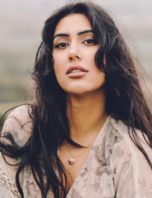 Nisha Aaliya: Age, Photos, Family, Biography, Songs